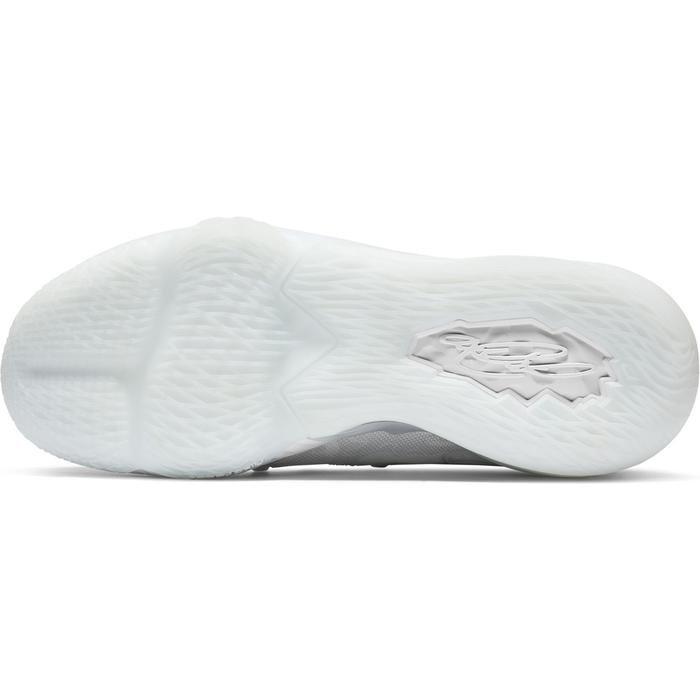 Lebron XVII Low Erkek Beyaz Basketbol Ayakkabısı CD5007-103 1212669