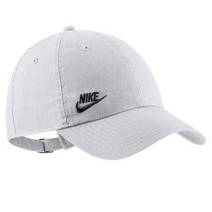 Sportswear Heritage 86 Beyaz Şapka AO8662-101
